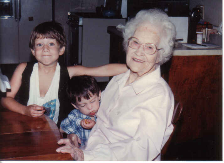 Tommy, Daniel and Mam-ma aug 91