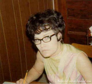 Mama 1970sign