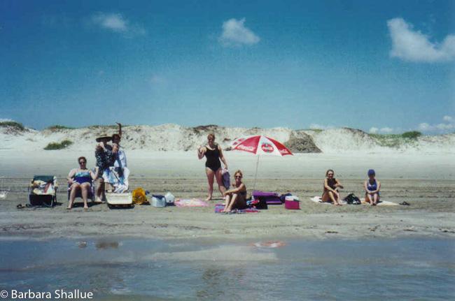 Conni, mk, nancy, rachel, jacque, marla, tamara on the beach