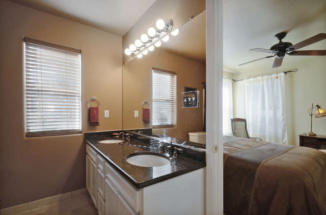 145 Lakefront Drive-small-033-Other Bath 01-666x442-72dpi