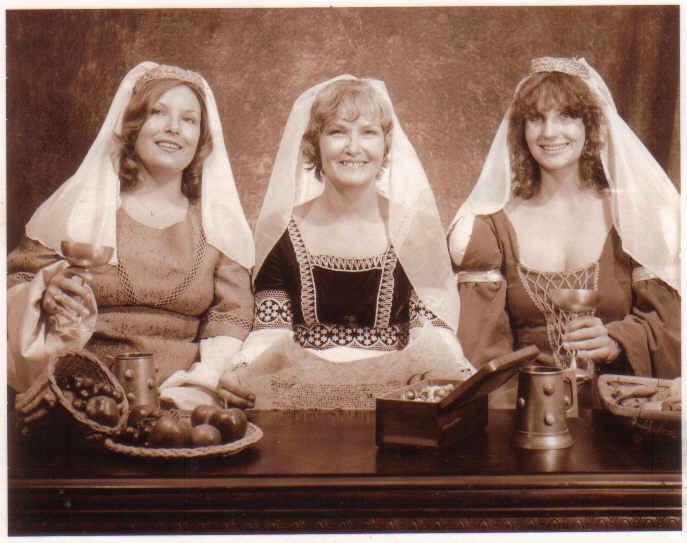 Brenda, mama, me renaissance fest 80